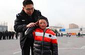 冰花男孩北京参观警校