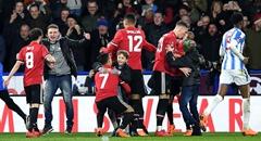 足总杯-曼联2-0弱旅 众将与民同乐