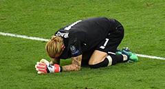 欧冠-利物浦1-3皇马 卡里乌斯伏地痛哭